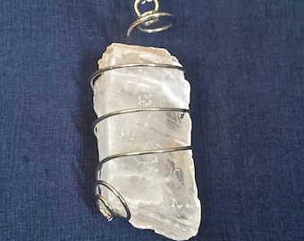 SELENITE Meditation Crystal Necklace // Crystal Healing // White Selenite Jewelry // Gift for Her // Chakra Necklace // Raw Selenite