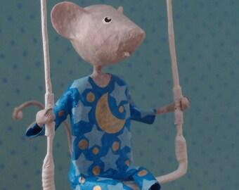 Mobile petite souris en papier mâché, décor enfant poétique, mobile poétique, cadeau pour garçon, mobile OOAK, mobile bleu, décoration bleue