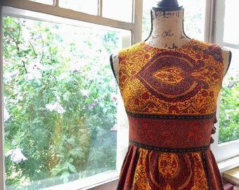 Vintage 1960s Paisley Mini Dress // Peck + Peck