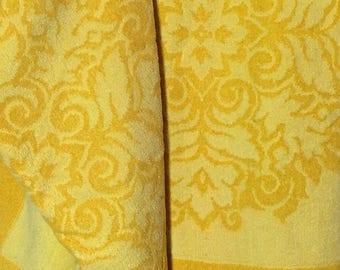 Fieldcrest Set of 2 Vintage 60s Bath Towels Yellow Marigold Floral