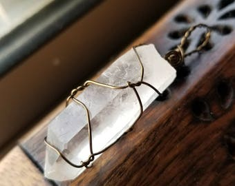 Quartz Point Necklace for Enhanced Concentration and Healing Energy