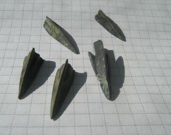 Bronze arrowheads 5 pieces (75)