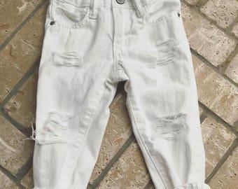 White straight leg destroyed jeans 2T