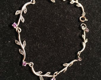 CW 925 sterling silver Leaf  with purple gem / stone bracelet