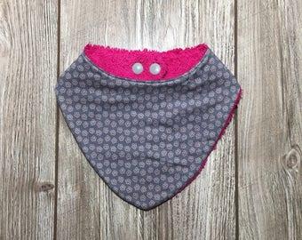 Bib bandana anti bavouille.coton mini gris.envers sponge fuchsia flowers.