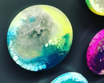 Custom Color Magnets | Decorative Magnets | Round Magnets | Pretty Magnet | Magnets housewarming Gifts | Hostess Gifts | Wedding Favors
