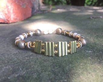 "7"" Gold-Colored Beaded Bracelet"