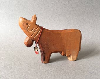 Antonio Vitali carved wooden toy - Cow with its extremely rare original label tag / seal - Perfect Gift