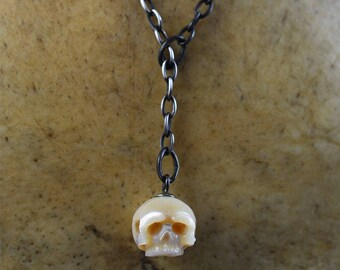Carved Pearl Skull Lariat Necklace - June Birthstone - Skull Jewelry - Pearl Y Necklace - Skull Pearl Pendant - Gift for Her