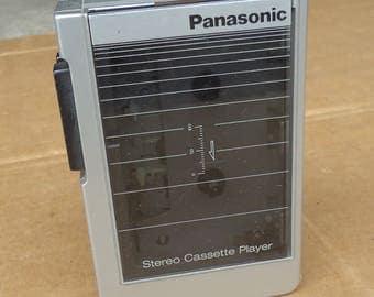 vintage panasonic walkman cassette player recorder deck portable,retro 80s prop,needs cleaning,works partial.incomplete,no headphones