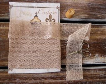 """Vintage ecru lace with circles pattern, 1 3/4"""", 3.5 yards"""