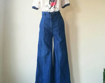 Vintage 1970s sailor jeans - high waisted jeans - bell bottoms W30'