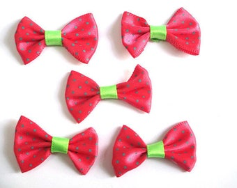 5 red bow tie dot 23x35mm appliques