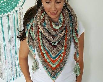 Triangle crochet shawl