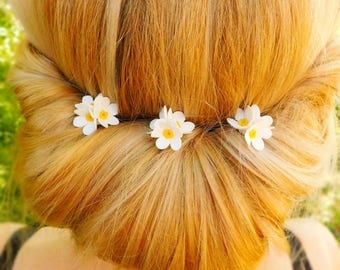 Bridal hair pins Wedding headpiece White floral hair pins Flower hair piece Bohemian Wedding hair style Decorative hair pins Stylishness