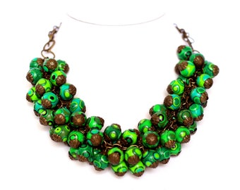 Green Bead necklace, Beaded Bohemian necklaces, Green Necklaces for Women, Chunky Statement Necklace, Bold Boho jewelry, Fashion jewelry