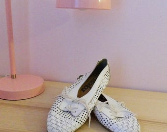 SALE 15% OFF Vintage 80s Woven Cutout Oxford Flats - Size US 9/Uk 7/Eu 39