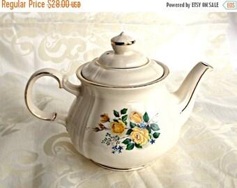 ON SALE SADLER Teapot, Vintage Sadler Teapot, Vintage Kitchen, Tea Party, Retro Sadler Teapot, Classic Sadler Teapot, Made in England