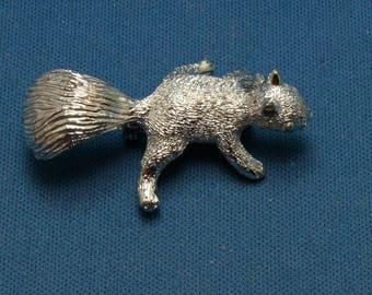 Vintage Adorable Gerrys Squirrel Silver Tone Pin Brooch