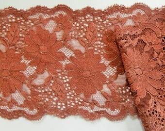 Wide lace floral motifs, hazelnut (ref 922 61 08)