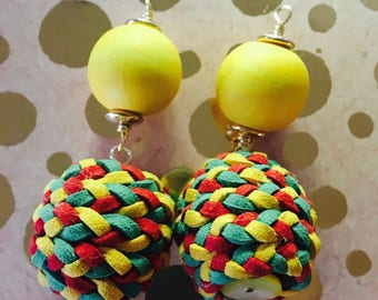 The Bee hive effect handmade earrings jewelry accessory