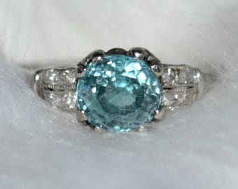 Beautiful Vintage Blue Zircon & Diamond Ring  Platinum
