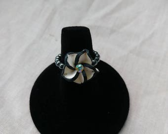 Floral hematite bead stretch ring
