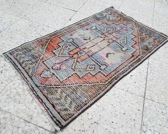 Oushak Rug, Vintage Small Turkish Rug, Oriental Small Anatolia Rugs, Yastik Door  Mat