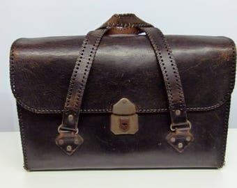 Well Aged Black Leather Tool Bag / Case / Suitcase / Overnight Case - 1950s - - British Made Very Steampunk!
