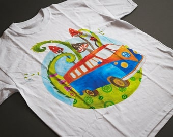 Psychedelic vw bus for hippie style lovers. Best festive cloth or gift idea. Magic mushrooms, hippie bus, festive, boho tshirt.