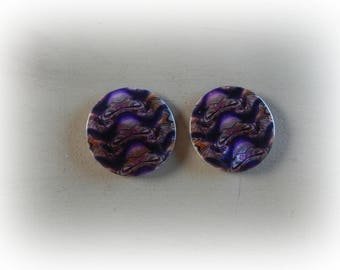 2 round pearls in shells pattern mottled in shades of purple 4 cm