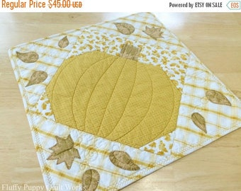 ON SALE Pumpkin Table Runner, Quilted Fall Table Topper, Autumn Leaves Table Decor, Pumpkin Fall Leaf Table Topper, Orange Gold Table Runner