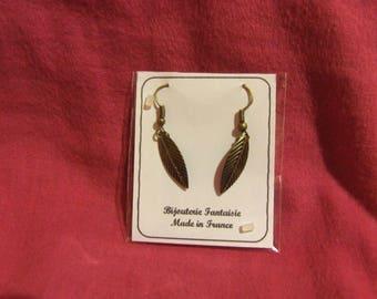 1 paire de boucles d'oreilles feuille bronzé en métal de couleur bronze