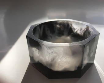 Black and white swirled resin bangle