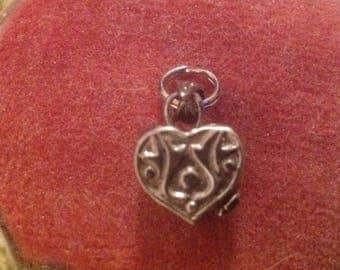 Vintage Sterling Silver (AA) Repousse 3 D Heart Prayer Box Charm/Pendant