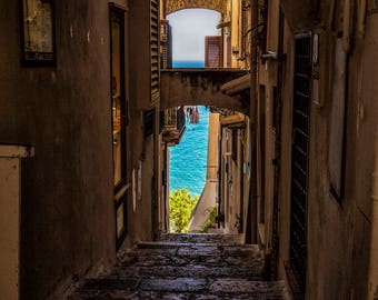 Walkway to the Mediterranean Sea in Italy Pt 2