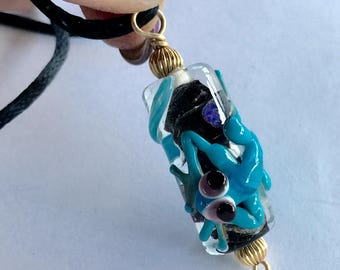 Vintage Art Glass Gecko Lizard Pendant Necklace
