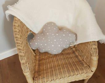 Petit coussin nuage gris et blanc à etoiles