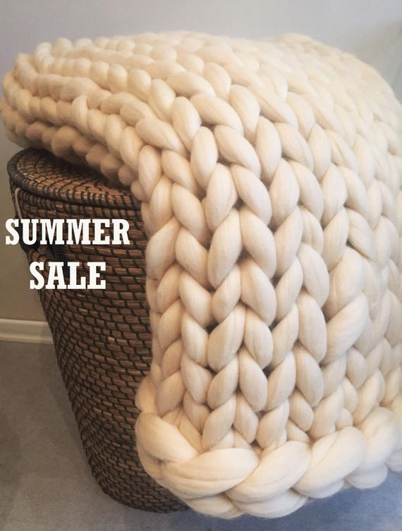 premium chunky knit blanket blanket throw blanket chunky. Black Bedroom Furniture Sets. Home Design Ideas