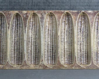 Lodge Cast Iron 7 Slot Cornbread Corn Muffin Pan #2702 USA