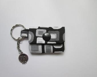 Key chain mini purse for lunch money