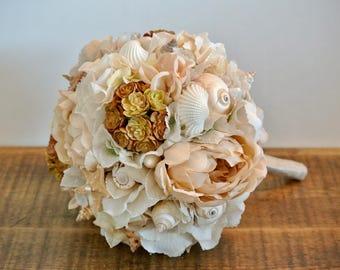 Brides shell, beach bouquet