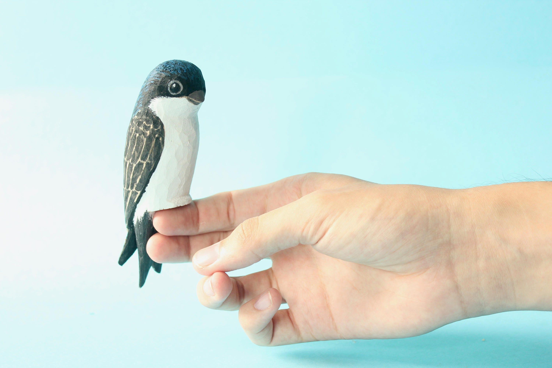 Schwalbe Vogel Holz geschnitzt Glücksbringer