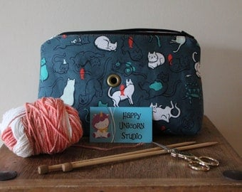 Knitting Bag// Knitting Organizer// Project Bag// Knitting// Embroidery// Cross Stitching// Handcrafted// Cat// Kitten// Yarn// Yarn Ball