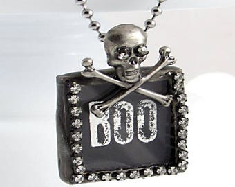 Skull Halloween Necklace - Boo Necklace - Creepy Cute Necklace - Skull Necklace - Goth Necklace - Skull Black Necklace - Creepy Necklace