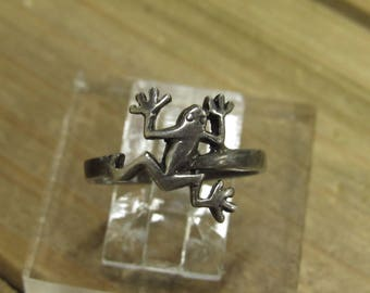 Sterling Silver Frog Ring Size 7.5