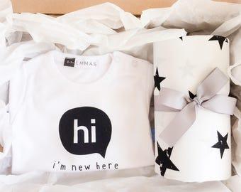 Gender Neutral Baby Shower Gift Box Star Fitted Crib Sheet Coming Home Bodysuit New Baby Gift Newborn Monochrome Baby Gift Set New Mom Gift