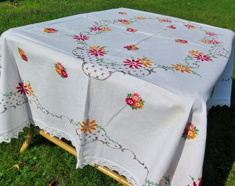 Linen tablecloth - flower embroidered - colorful - Bohemian Homestyle