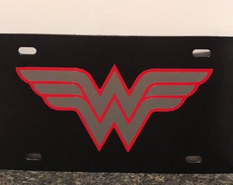 Wonder woman license plate / great gift / present / super hero / plastic license plate