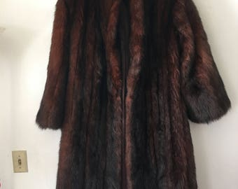 Magnificent Long Vintage Brown Fur Coat Women's Size Medium.